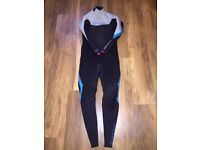 Ladies Billabong Surfing Wetsuit worn once medium