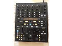 Behringer DDM4000 Mixer