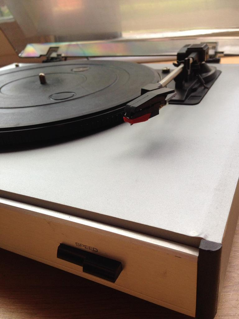 Wharfedale Turntable