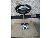 Pair of black and chrome kitchen stools excellent condition