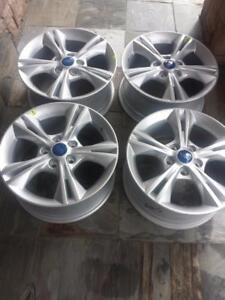 BRAND NEW NEVER MOUNTED FORD FOCUS FACTORY OEM 16 INCH ALLOY WHEEL SET OF FOUR