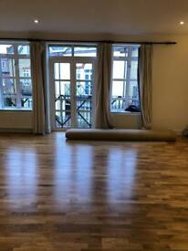 Huge double room available now in N7 0BN walking distance to CAMDEN TOWN just £180 pw