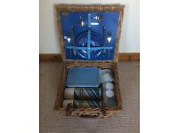 2 person luxury wicker basket picnic hamper