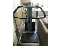 Power vibration plate. Body train. Great condition hardly used.