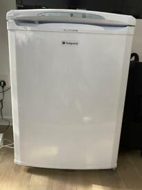 HOTPOINT FREEZER UNDER COUNTER FROST FREE FZA36