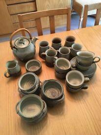 Pottery crockery set