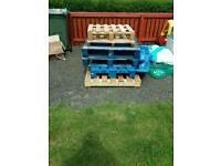 Pallets 6 in total