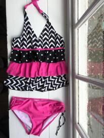 Girl's swim wear