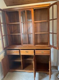 Wood & Glass Display Cabinet/Dresser - Excellent condition