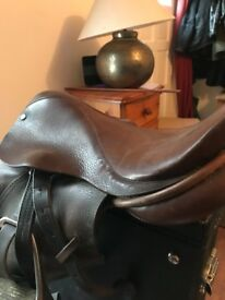 Pony Saddle (fit 13.1hh) with cover included