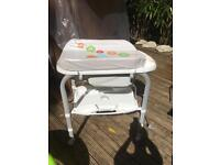 Baby changing centre with bath