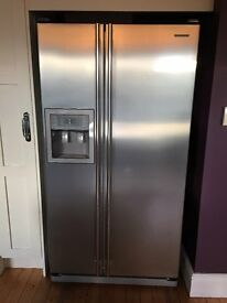 Samsung american Style Fridge Freezer with ice maker and chilled water dispenser. Used