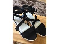 Sandals size 5.5