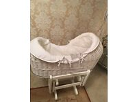 MAMAS AND PAPAS MOSES BASKET WITH GLIDING STAND