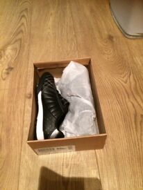 BNIB Boys black Clarks trainers 11.5G