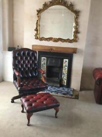 BEAUTIFUL LEATHER CHESTERFIELD ROTATING CAPTAINS CHAIR AND FOOTSTOOL.