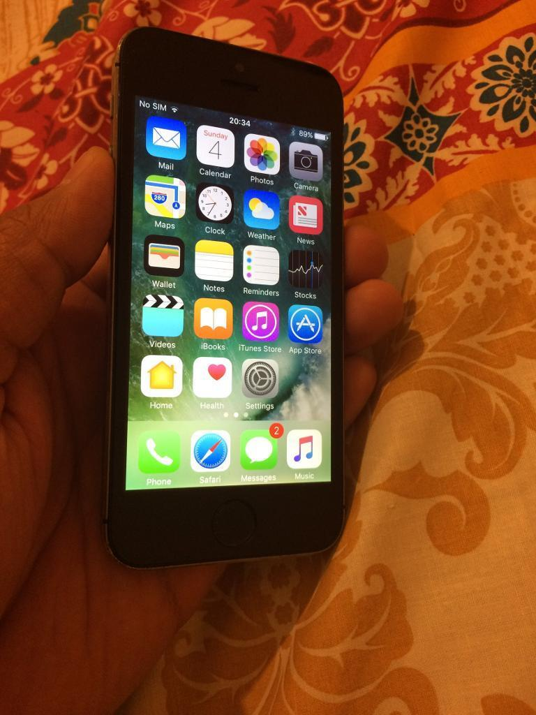 Apple iPhone 5s Black Excellent condition 32GB Vodafone95in Woking, SurreyGumtree - Apple iPhone 5s Black 32GB massive memory Excellent condition fully working apart from finger print option as home button been change so home button and everything working great apart from finger print option but passcode can be usedContact...