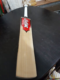 Details about Powerfull English Willow Cricket Bat HUGE 30 mm Edge 5 Top Grains 2.6 Weight