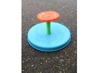 kids play spinner