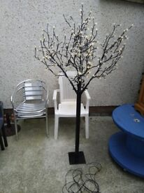 LED indoor/outdoor tree