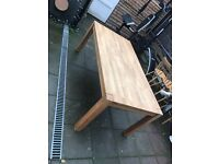 6ft oak table in very good condition.
