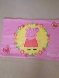 Peppa Pig Single Reversable Duvet and Pillowcase Set