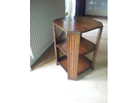 Oak occasional table (mid 20C)