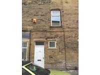3 bedroom flat eccelshill area bd2 recent refurbish £475