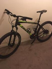 Mountain bike (giant) size large