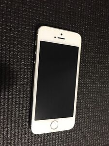 iPhone 5s white excellent condition unlocked Cannington Canning Area Preview