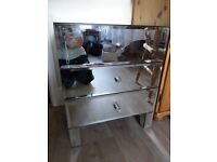 Mirrored bedside cabinet/drawers