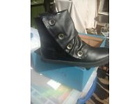 Brand new womens blowfish boots in size 3 and 4