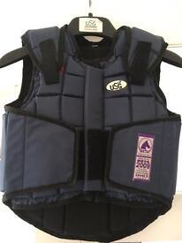 USG Flexi child's body protector size medium