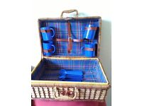 large size wicker picnic hamper, fully lined