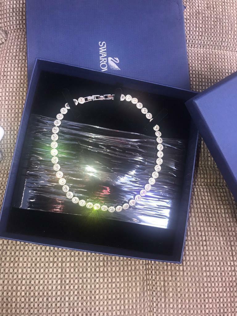 Swarovski angelic circle necklace Brand New !! | in Duddingston, Edinburgh  | Gumtree