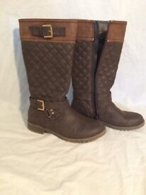 Brown Winter Boots UK 3 ( used )