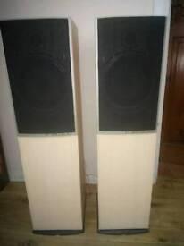 Wharfedale speakers 9.6 Diamond (standing)