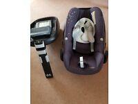 Maxi cosi Pebble car seat + Isofix base