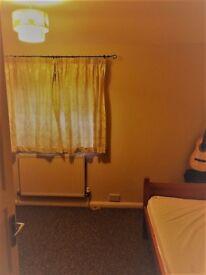 Spacious Single Room Available in Trumpington-CB2
