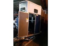 Horse box trailer (great condition)