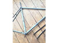 Raleigh bike frame and forks reynolds 501 tubing