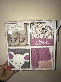 Jessica Simpson 4pc gift set