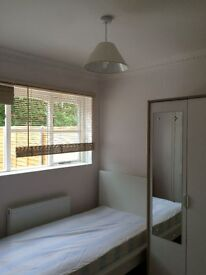 Single Bed Studio to Let