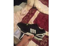 TRAINERS YEEZYS, HUGO BOSS AND MORE