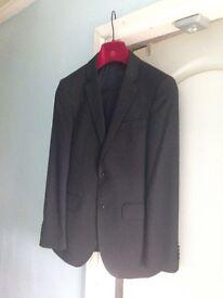 Venturo 21 slim fit men's suit