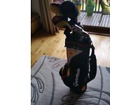 Taylormade golf set. R7. Bag woods driver and irons