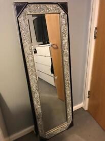 Cracked effect mirror