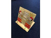 Fold Flat Snoopy Book Stand with adjustable tilt_£5