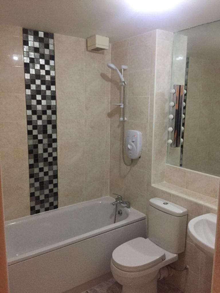 2 bed, 2 bathroom East Acton station