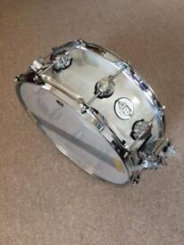Dw acrylic snare drum